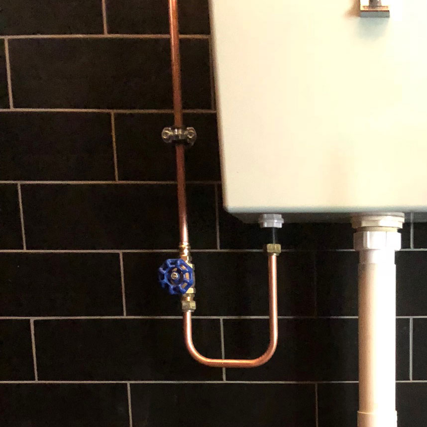 Bathroom by Andrew Evans Plumbing, Copper plumbing