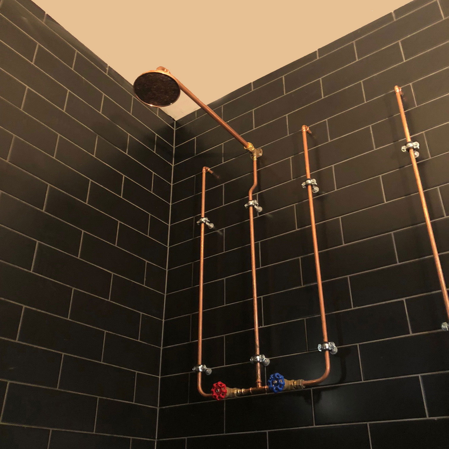 Bathroom by Andrew Evans Plumbing, Copper plumbing